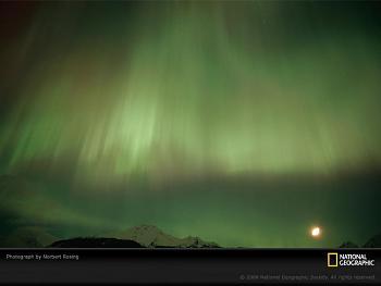 aurora borealis-moon-churchill-auroroe-696162-sw.jpg