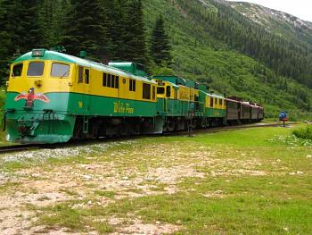Alaska Train Tour-skagway_train_arriving5.jpg