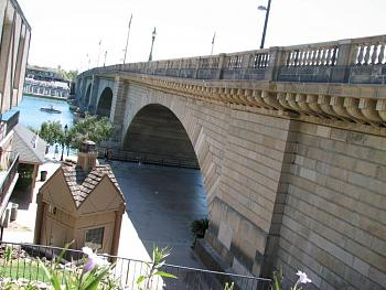 Please give me one good reason to visit Arizona-london-bridge-011.jpg