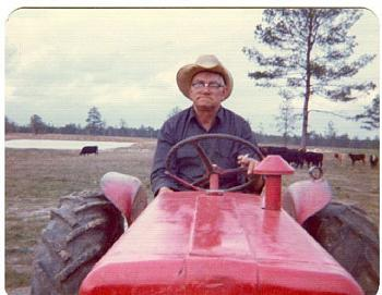 """Anyone like things to make you """"laugh"""".....try these....!!-tractor-driver.jpg"""
