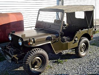 Old Trucks-154_0611_05_z-old_classic_jeep-side_view.jpg