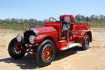 Old Trucks-1-30-04.jpg