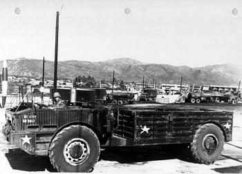 Old Trucks-f24.jpg