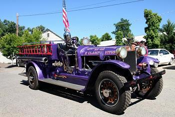 Old Trucks-old-firetruck-weaverville.jpg