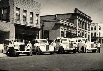 Old Trucks-trucks-1950-.jpg