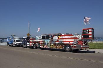 Old Trucks-beach_fire_truck.jpg