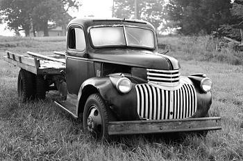 Old Trucks-00rdmm-80379684.jpg