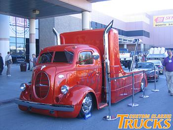 Old Trucks-0812cct_01_z-2008_classic_truck_sema_show_pictures-classic_tow_truck.jpg