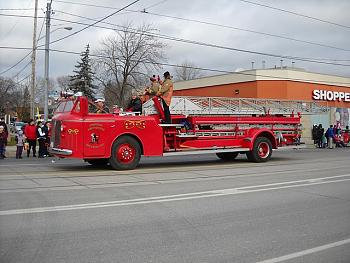 Old Trucks-2010-long-branch-santa-claus-parade-044.jpg