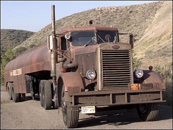 Old Trucks-dueltruck1960pete111407.jpg