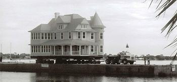 Old Trucks-house-move1.jpg