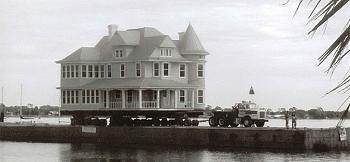 Old Trucks-house-move1.jpg