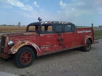 Old Trucks-mack1.jpg