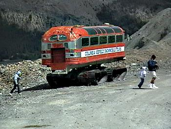 Old Trucks-old_snow_bus.jpg