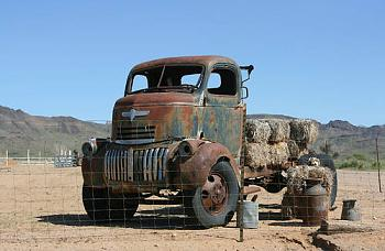 Old Trucks-really-old-chevy-truck_55439.jpg
