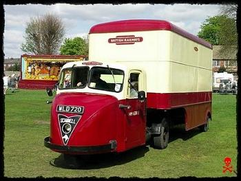 Old Trucks-scammel3wielerclassicrood.jpeg