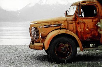 Old Trucks-valdez_rusty_truck.jpg