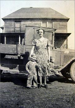 Old Trucks-harry-ward-mccormack-mabel-elizabeth-stull-charles-randolph-mccormack.jpg