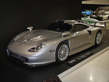 15 Awesome Supercars the Feds Won?t Seize-1997-porsche-gt1-stra-enversion.jpg