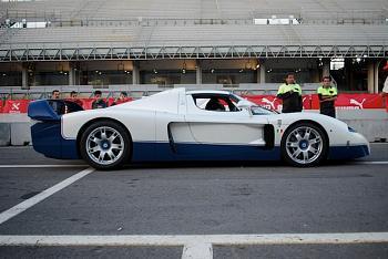 15 Awesome Supercars the Feds Won?t Seize-2004-2005-maserati-mc12.jpg