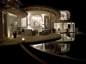 The Wild Ride of the 1%-luxury-villa-mallorca-1.jpg