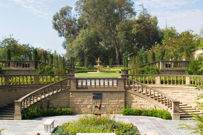 Beverly hills california greystone mansion photo for Murder house tour los angeles