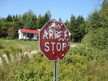 Quebec - La Belle Province-arret-stop.jpg