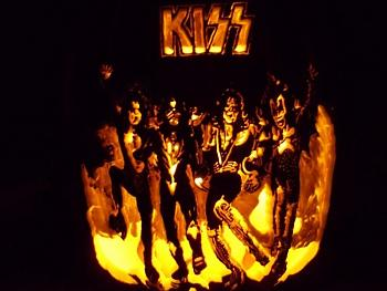 Canadian Forum Artists-kiss.jpg