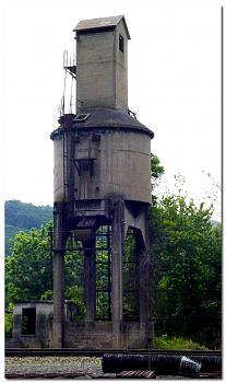 The Canadian Picture Thread!-c-o-railroads-coaling-tower-steam-engines-ronceverte-west-virginia-usa.jpg