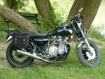 Any Canadian Bikers out there!-kz1000.jpg