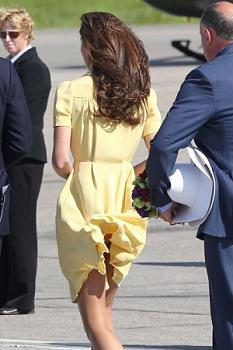 Royal honey ?moon?-kate-middleton-panty-flash-leggy-%40-windy-calgary-intl-airport-3-300x450.jpg