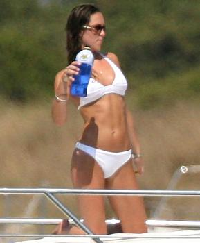 Royal honey ?moon?-kate_middleton_bikini_past.jpg
