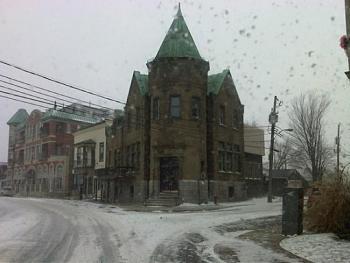 Snow shovels-img00352-20111228-1511.jpg