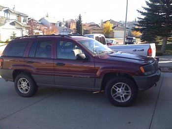 Lets see everyones Canadian jeeps-2002-jeep-grand-cherokee-laredo.jpg