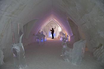 Quebec - La Belle Province-ice-hotel3.jpg