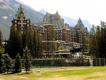 The Canadian Picture Thread!-banff_springs_hotel1.jpg