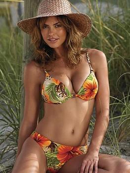 Let's talk Bikinis-hot-bikini-babes-4.jpg