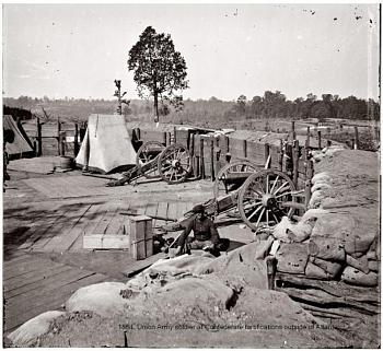 This Day In History-1864.-union-army-soldier-confederate-fortifications-outside-atlanta.jpg