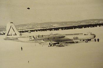 Aviation People-lowry-af-base-1952-b-36-bomber-side-view.jpg
