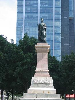 What's your City Famous For?-queen-victoria.jpg