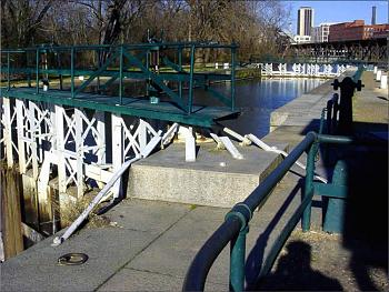 What's your City Famous For?-city-locks-james-river-canal.jpg