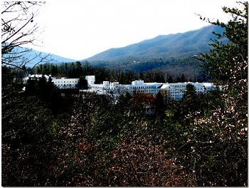The greenbrier>>white sulphur springs, WV>>YOU WANTED TO KNOW, BUT DIDN'T ASK!!-west-virginias-world-famous-hotel-greenbrier.jpg