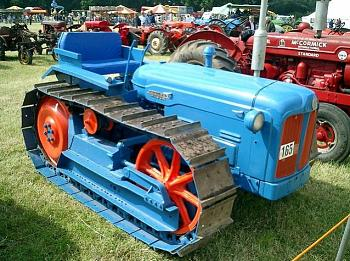 What Garden Tractor do you have?-1957-fordson-major-county-crawler.jpg