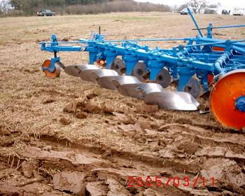 What Garden Tractor do you have?-beacohill-ploughing-match-13.03.05-007.jpg