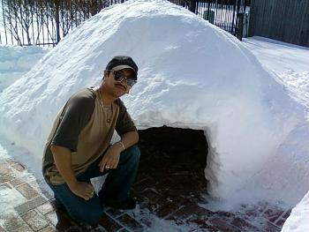 Feb 1st Chicago/Illinois Snow Storm Pictures-me-my-quinzee.jpg