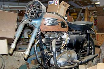 Anybody have a motorcycle ?  Let's see some pics-100_0381-small-.jpg