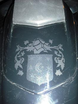 Anybody have a motorcycle ?  Let's see some pics-r1-back-family-crest.jpg