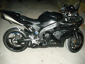Anybody have a motorcycle ?  Let's see some pics-r1-right-side-custom.jpg