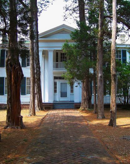 Oxford mississippi rowan oak house photo picture image for Rowan house