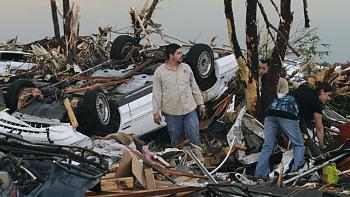 Reuters 90 Dead in Joplin Missouri After Deadliest American Tornado in 60 Years-storms_kd_110523_wg.jpg